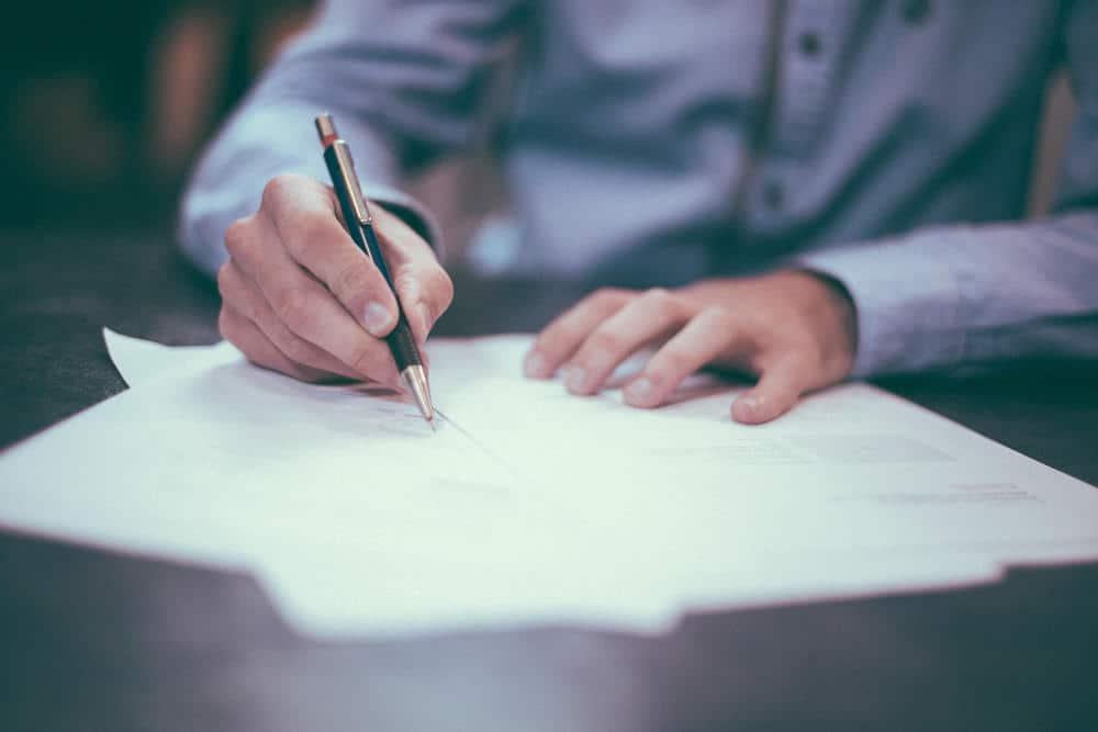 Hukum Atasan Membantu Administrasi Bawahannya Hutang Ke Bank